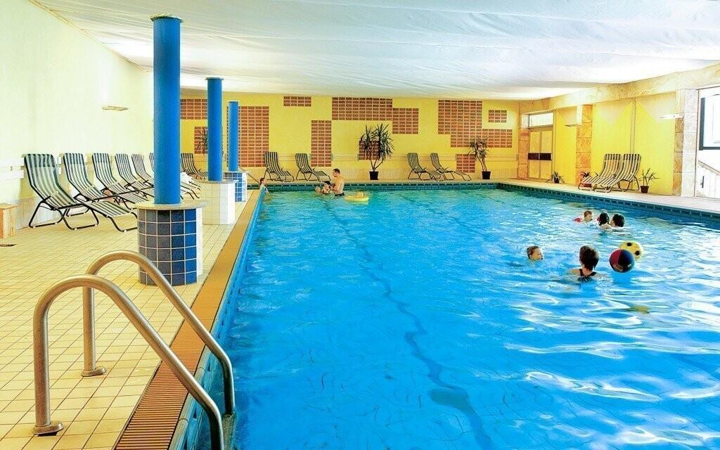 Vo wellness okrem sáun nájdete aj plavecký bazén