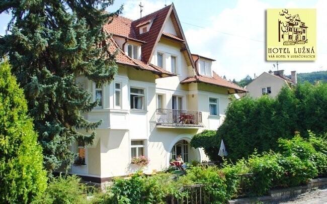 Hotel Lužná najdete přímo v centru Luhačovic
