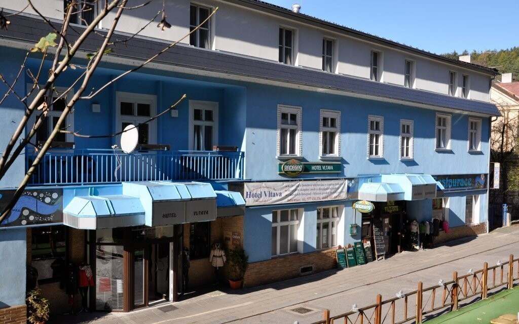 Hotel Vltava se nachází v centru Luhačovic