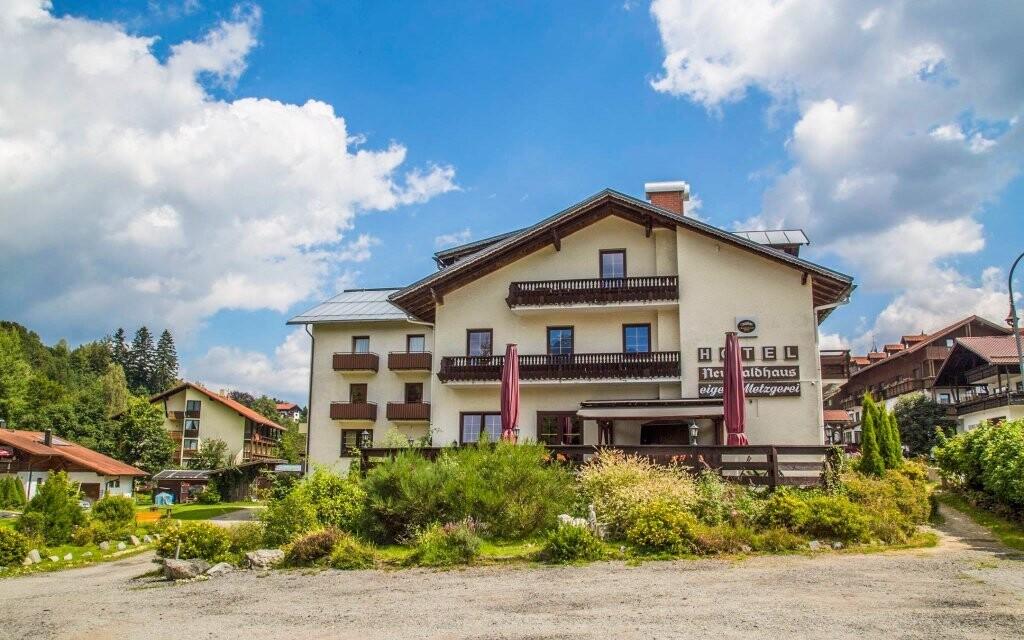 Hotel Lesní dům stojí pri Bavorskom lese