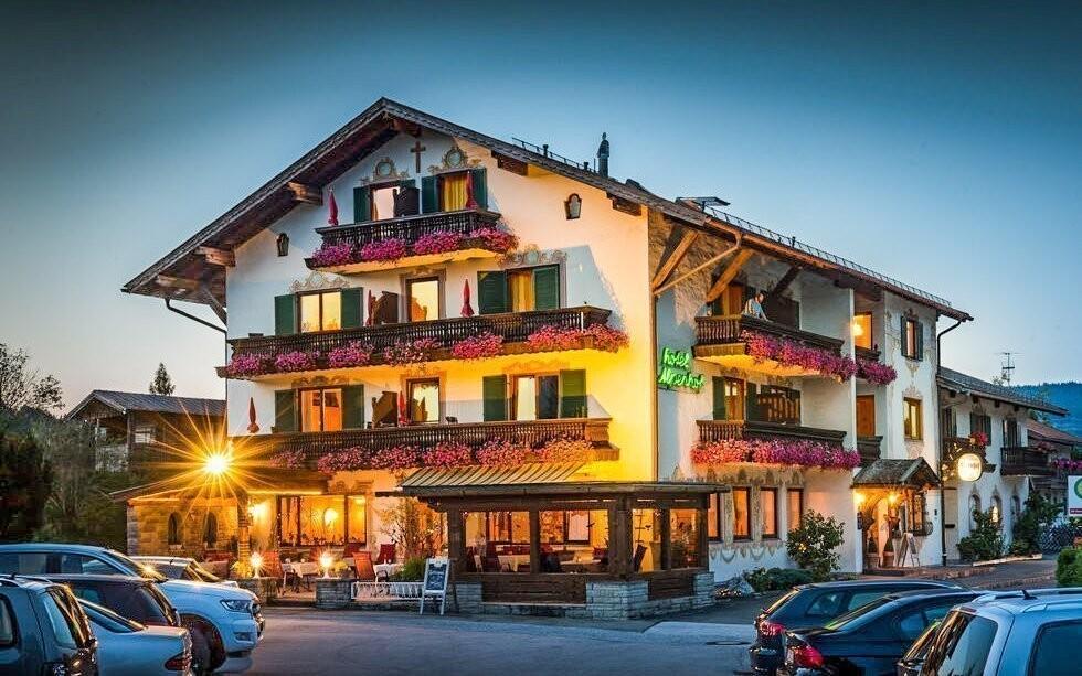 Ubytujte sa v Hoteli Alpenhof Wallgau *** v Hornom Bavorsku