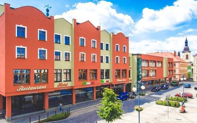 Wellness Hotel Lužan **** nájdete v centre Rumburku