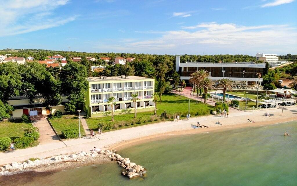 Liberty Hotel *** priamo pri pláži, Pag, Chorvátsko