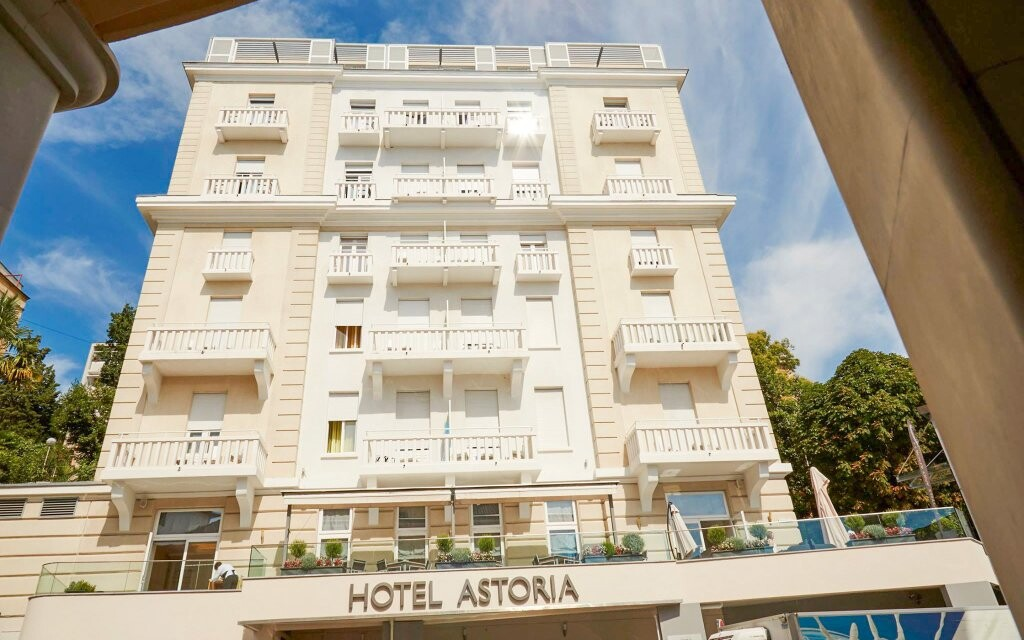 Hotel Astoria **** blízko pláže, Opatija, Chorvatsko