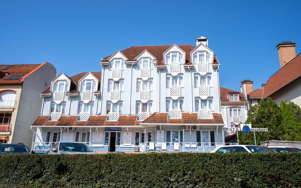 Hotel Erzsébet *** v Hévízu v Maďarsku