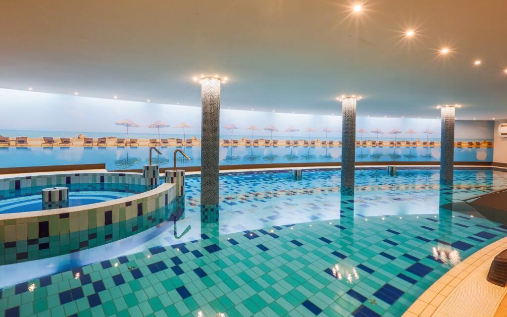 Užijte si skvělý wellness pobyt s bazény a vířivkou
