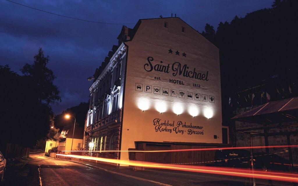 Hotel St. Michael v Březové jen 3 km od Karlových Varů