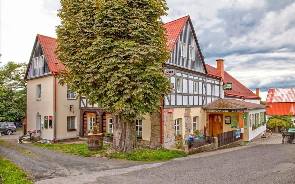 Ubytujte se v rodinném Hotelu U Zeleného stromu ***