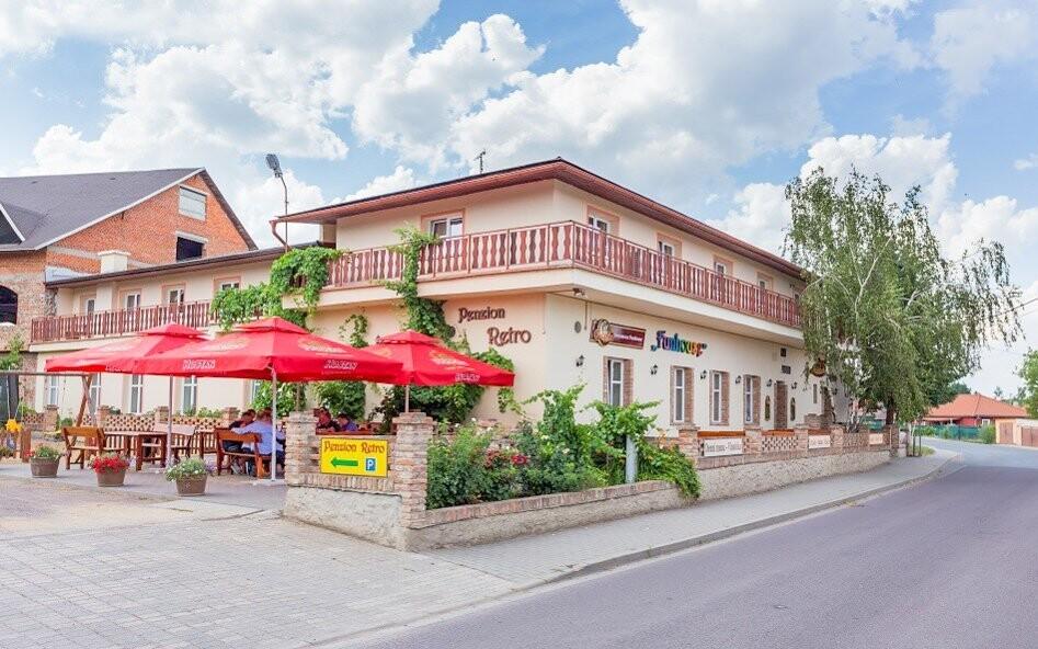 Penzión Retro Vrbovec, južná Morava, pobyt s vínom, víno