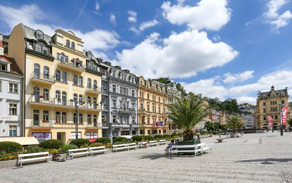 Astoria Hotel & Medical Spa **** u kolonády, Karlovy Vary