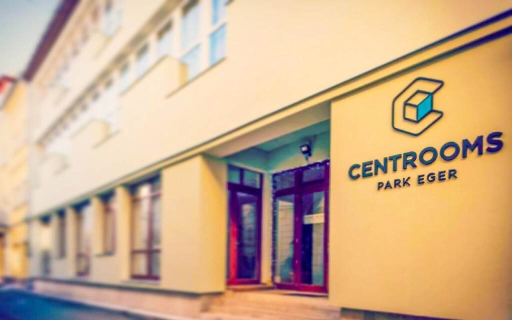 Hotel se nachází v historickém centru, Centrooms Park Eger