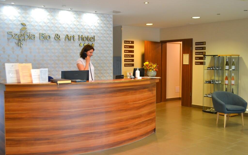 Na recepcii vás uvíta milý hotelový personál