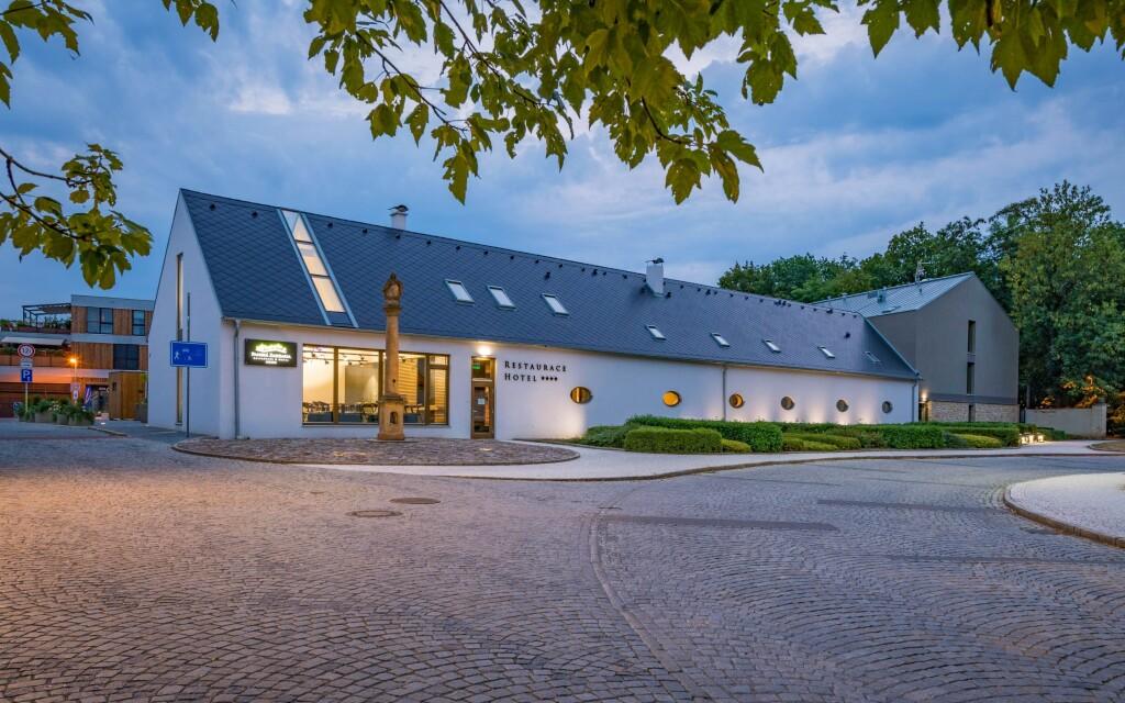 Panská zahrada ****, Střední Čechy
