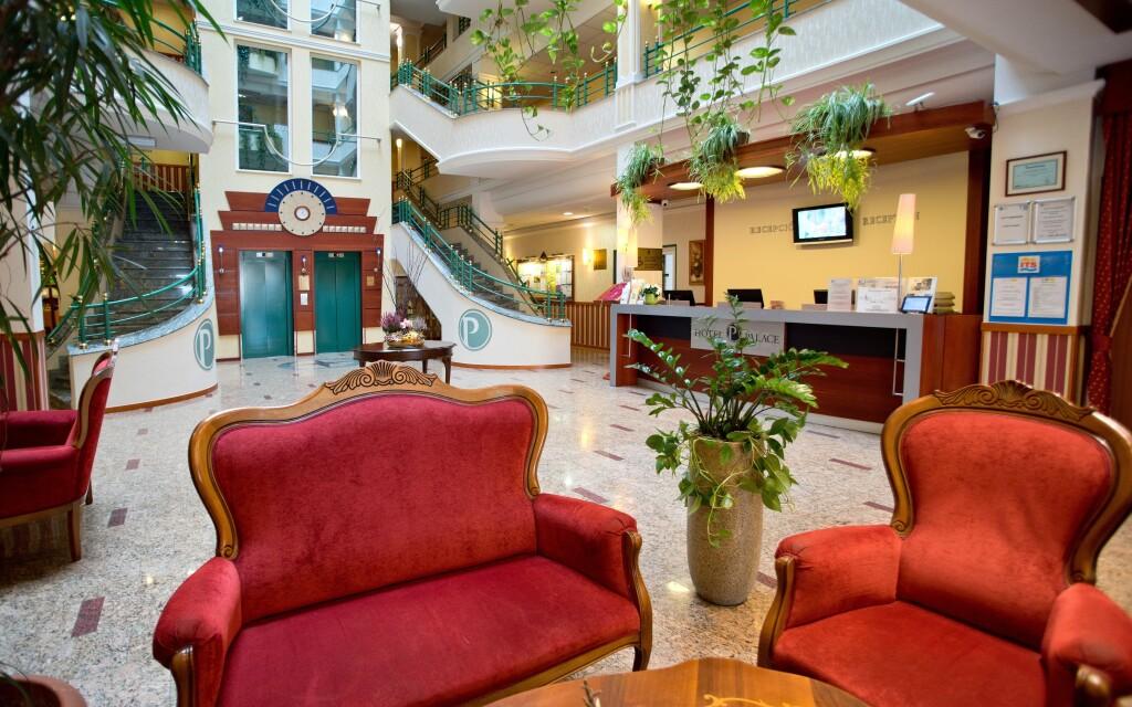 Interiéry hotelu jsou luxusní, Hotel Palace ****, Hévíz