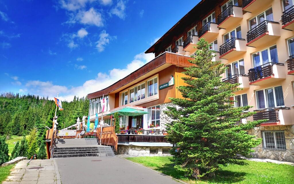 Hotel Magura nájdete v prírode Belianskych Tatier