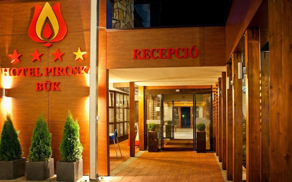A Hotel Piroska **** Bük szívében található, Magyarország