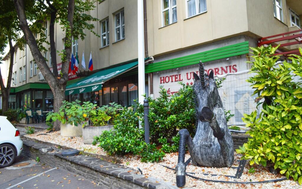 Hotel Unicornis *** stojí v centru Egeru