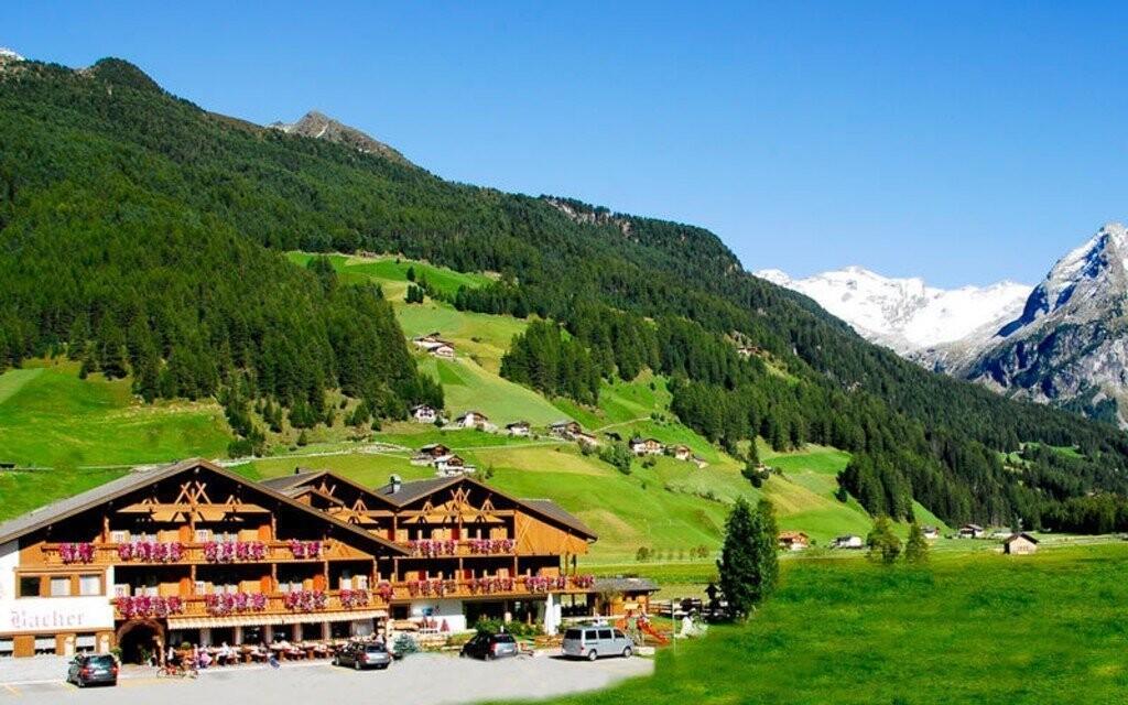 Vydajte sa na letnú dovolenku do Hotela Bacher***