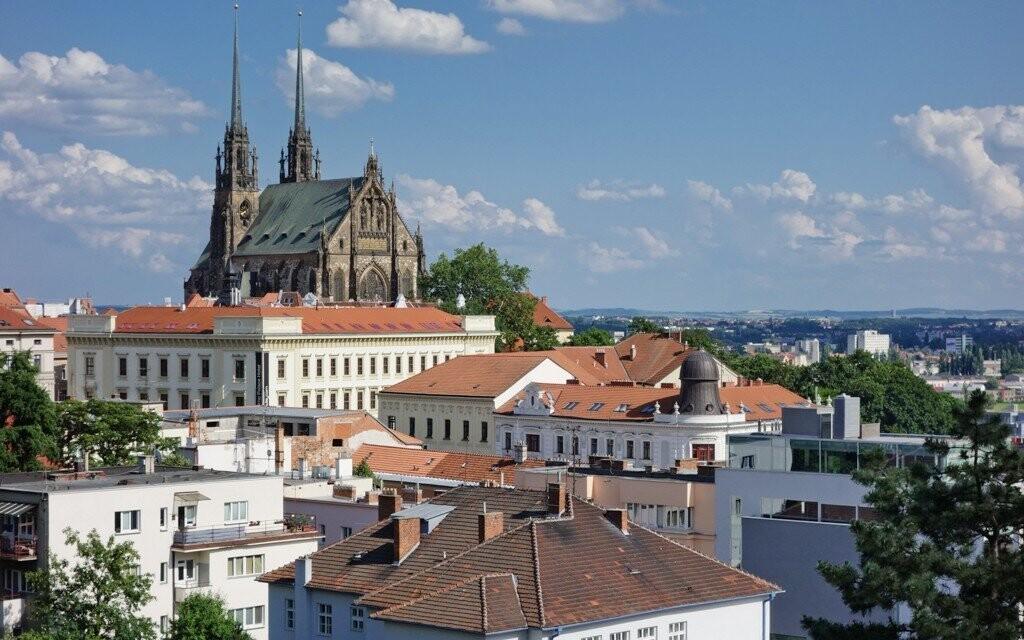 Dominantou celého Brna je bezesporu katedrála zvaná Petrov