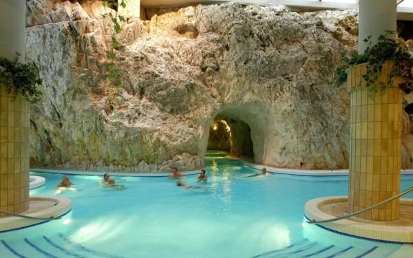 Jaskynné kúpele Miskolctapolca
