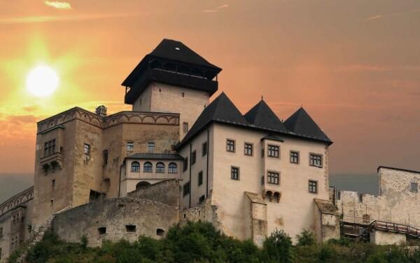 Kasárna Trenčínského hradu
