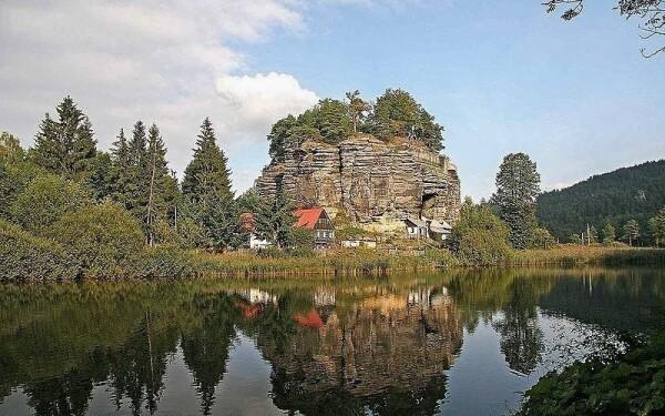 Skalní hrad Sloup