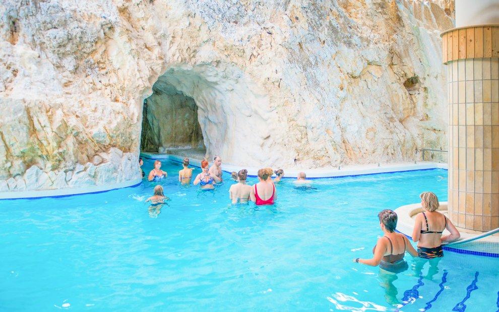jeskynní lázně