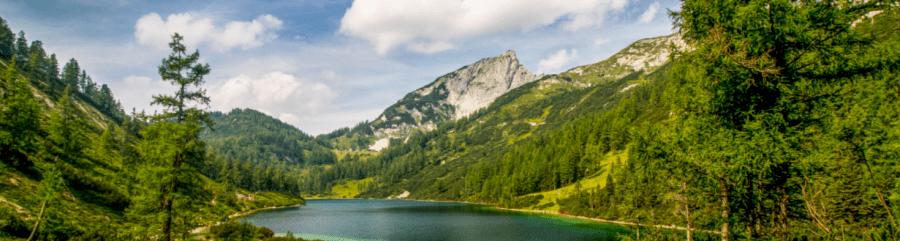 Aktívna dovolenka pre turistov v rakúskych horách - pešo až na vrchol