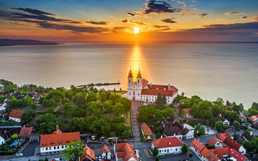 Magyarország legjobbjai: 9 romantikus város, amit minden magyarnak meg kell látogatnia egyszer turistaként