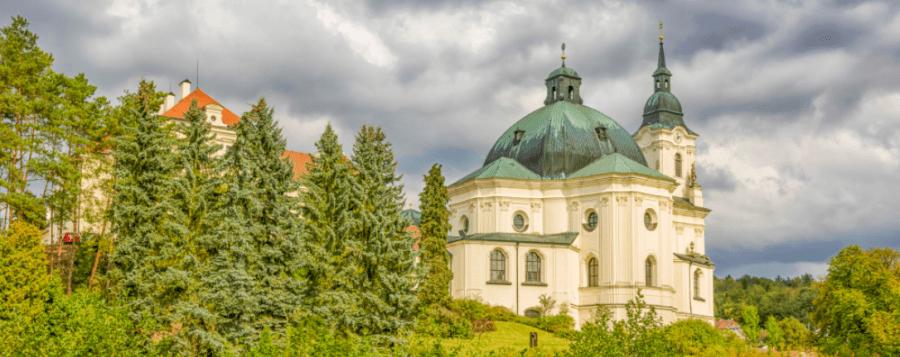 Objevte to NEJ z Česka: 10 NEJpoutavějších kostnic a hrobek