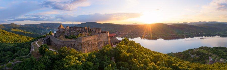 Magyarország legjobbjai: Hazánk 9 legkülönlegesebb vára, amik tökéletesek lesznek a hétvégi kiránduláshoz