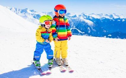 Veľký prehľad: Kam s deťmi v zime na hory na Slovensku + tipy na výlety pre celú rodinu