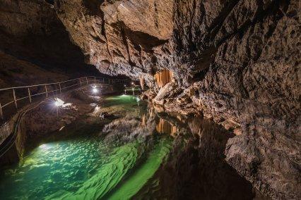 Objavte to NAJ zo Slovenska: 8 NAJkrajších jaskýň, ktoré sú svetovými unikátmi