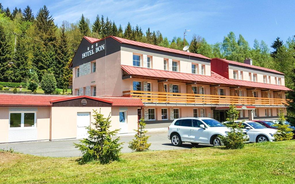 Jizerské hory v Hotelu Bon *** s privátním wellness, polopenzí a Jizerky Card
