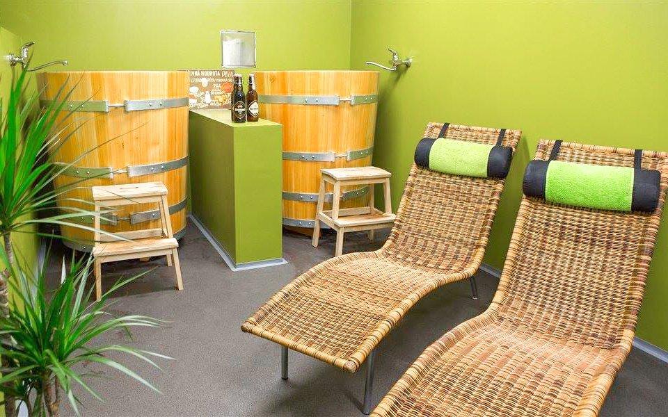Poděbrady: Kleopatřiny lázně s masáží, obkladem a relaxační pivní koupelí