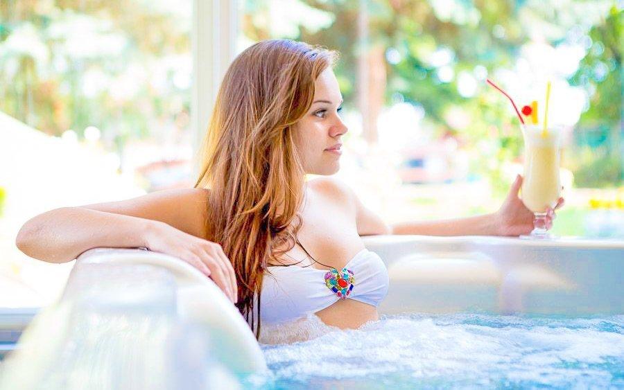 Hévíz luxusně ve 4* hotelu s neomezeným wellness s termální vodou a masáží