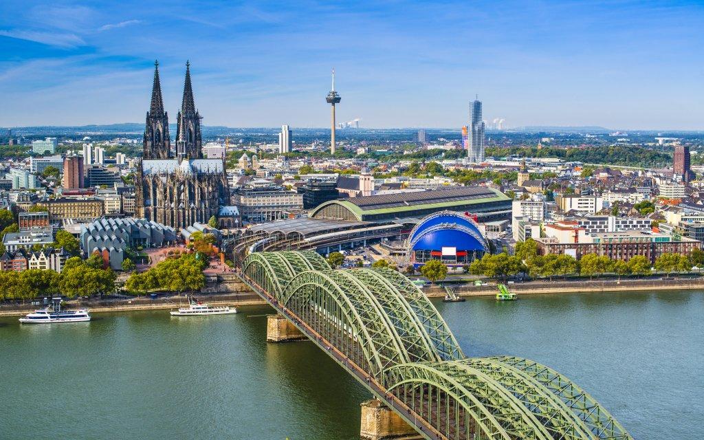 Kolín nad Rýnem v centru v hotelu A&O Köln Neumarkt se snídaní + 2 děti zdarma