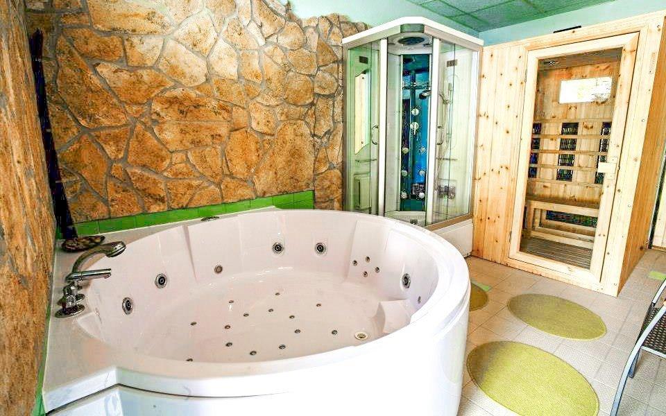Beskydy v Apartmánech Celnica s polopenzí, vstupem do wellness a řadou výhod