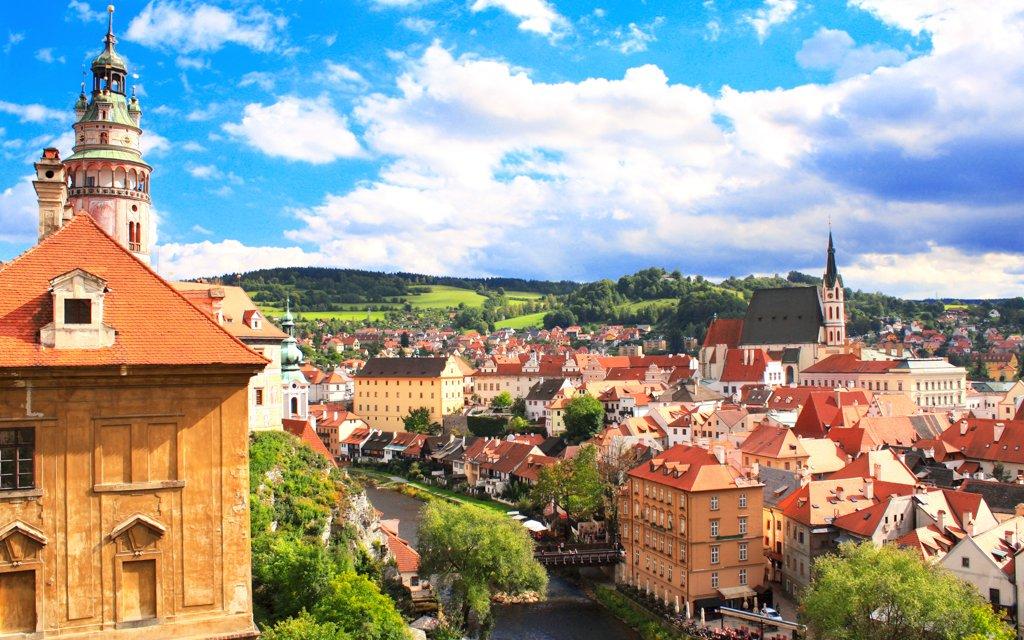 Jižní Čechy: Hotel Zlatý Kříž *** s polopenzí a vínem 20 km od Českého Krumlova