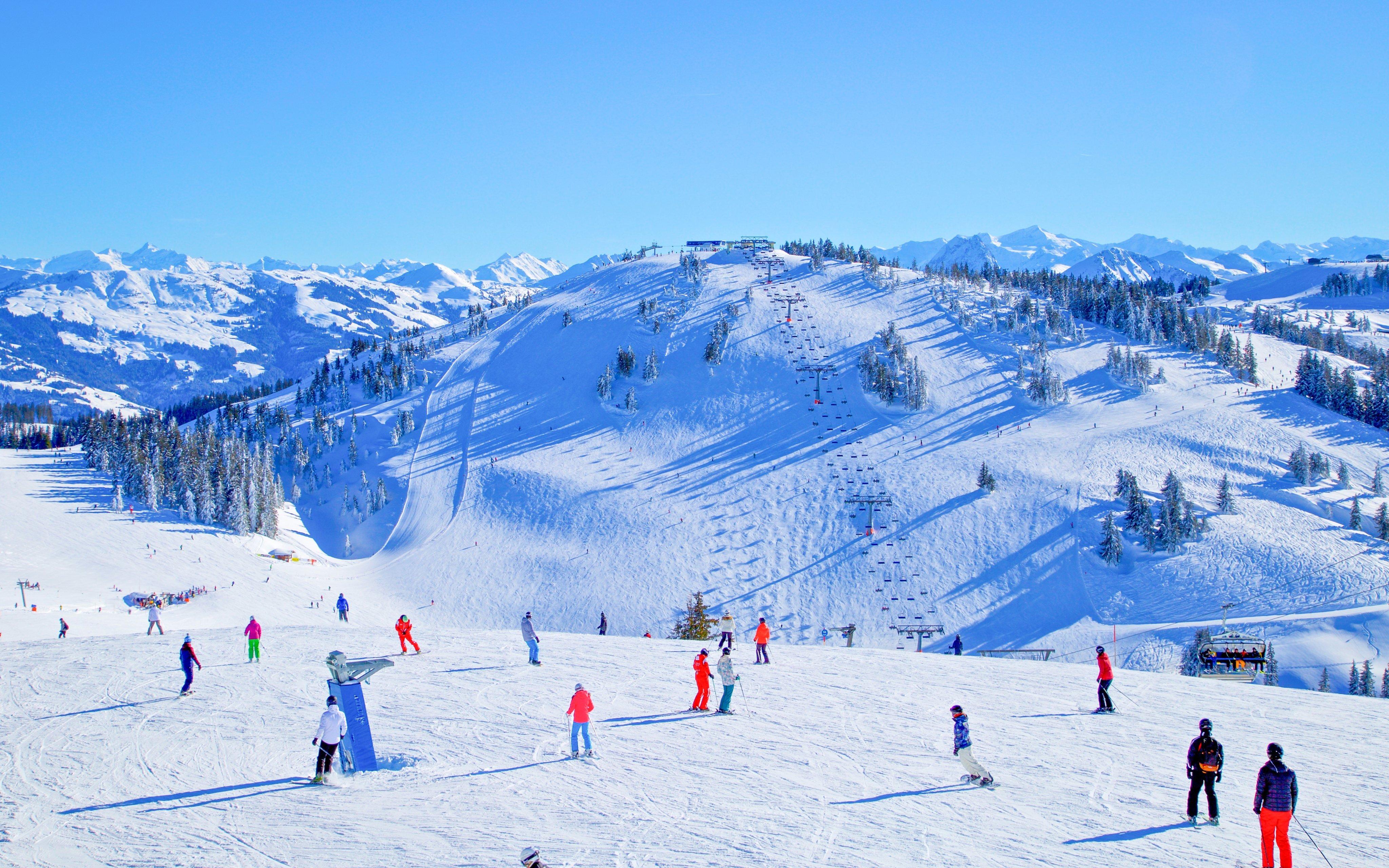 Rakouské Alpy: Zimní pobyt v Hotelu Alpenrose *** se saunovým světem a plnou penzí + děti do 7 let zdarma