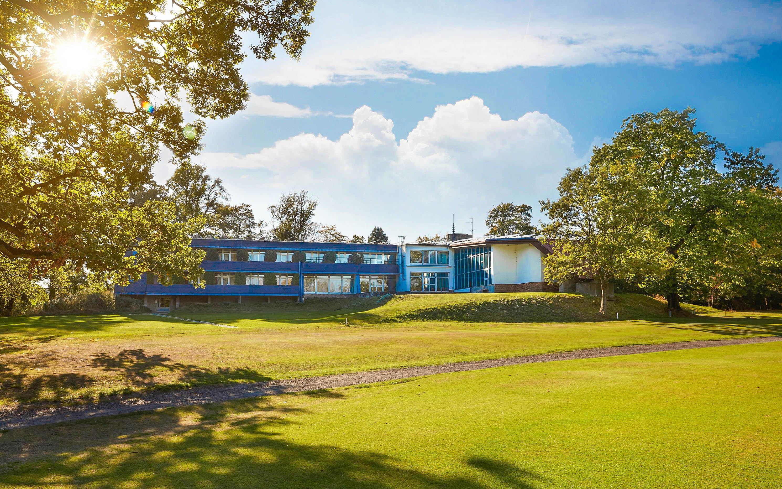 Pobyt u Ostravy v Hotelu Golf Šilheřovice *** s bazénem, slevou na golf a snídaněmi + dítě zdarma